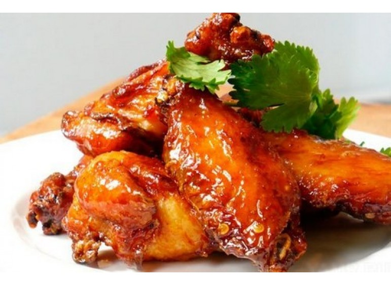 Chicken in honey-soy sauce with caramel crust
